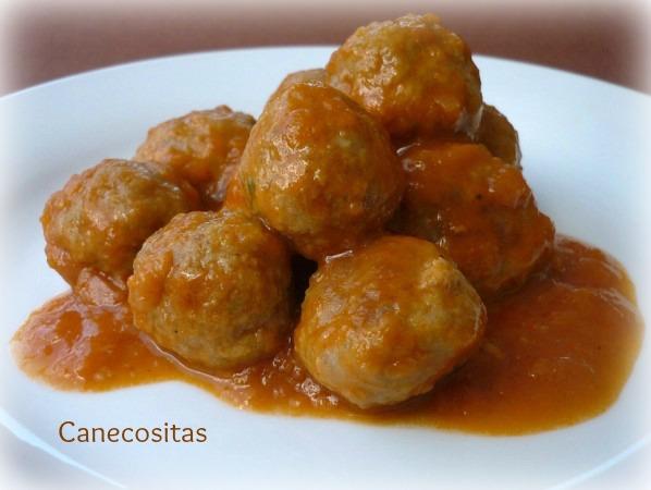 Albondigas con salsa española