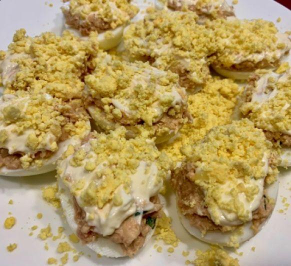 Huevos rellenos de jamón con Thermomix®