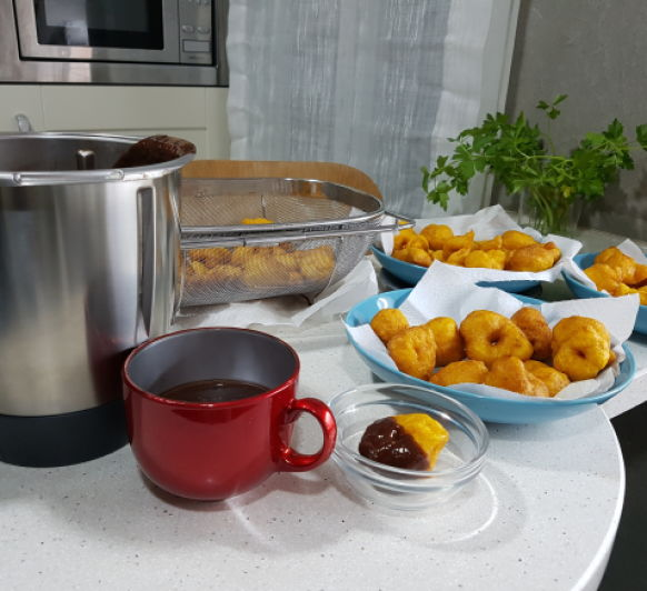 Buñuelos y Chocolate