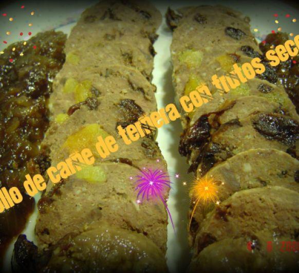 Rollo de ternera con frutos secos y cebolla caramelizada