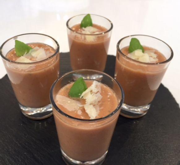 Gazpacho de tomate y albahaca con Thermomix®