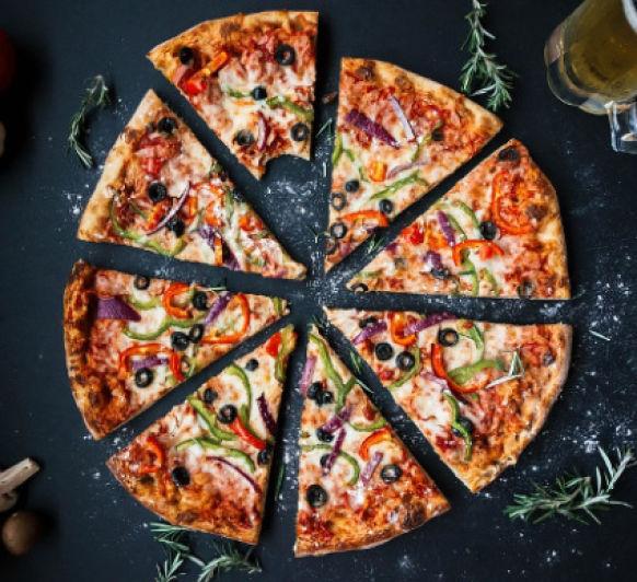 Masa de pizza con vino blanco