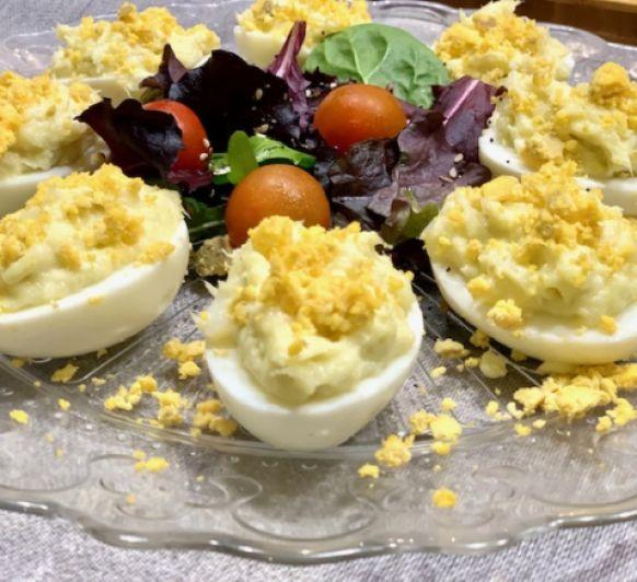 Huevos rellenos de brandada de bacalao con Thermomix®