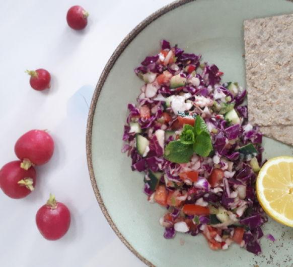 ENSALADA FATUCH, deliciosa receta mediterránea