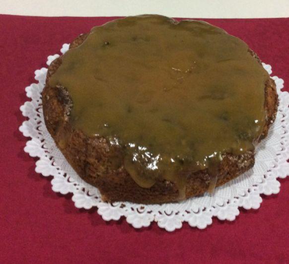 Bizcocho de caqui ,chocolate ,y cobertura de mermelada