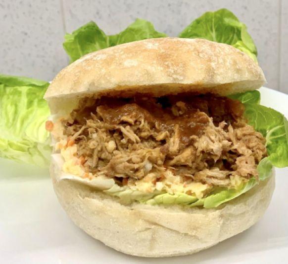 Hamburguesa Pulled Pork con ensalada Coleslaw (cocción lenta) con Thermomix®