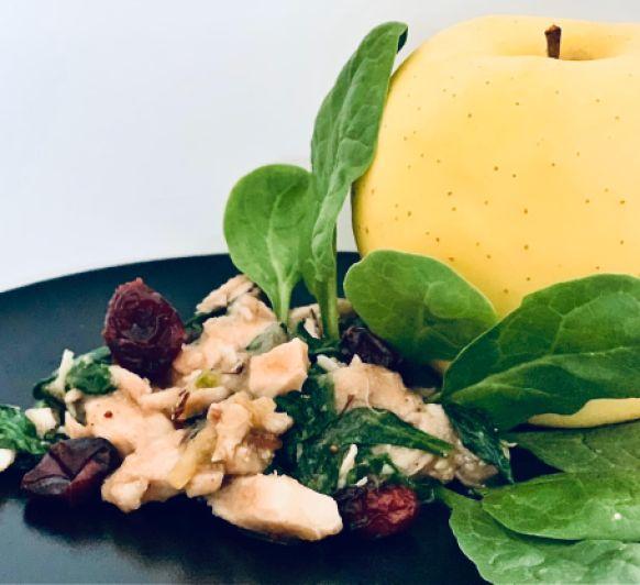 Pollo con espinacas, manzana y pasas con Thermomix®