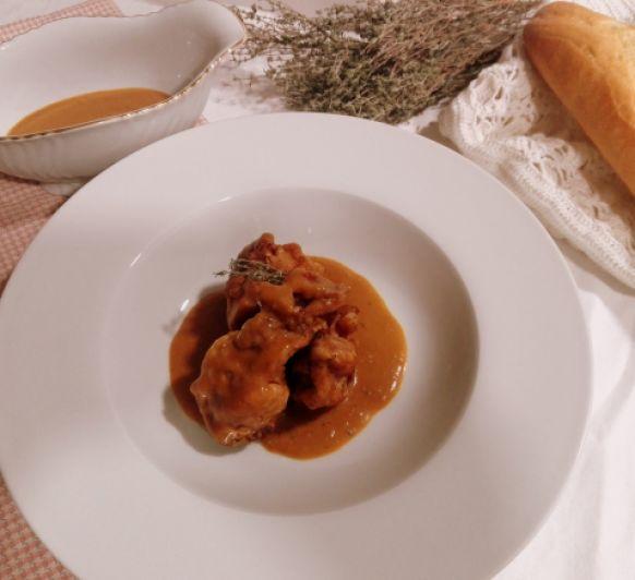 Conejo en salsa en Thermomix®