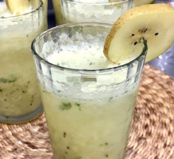 Refrescante mojito de kiwi sin alcohol con Thermomix® (video)