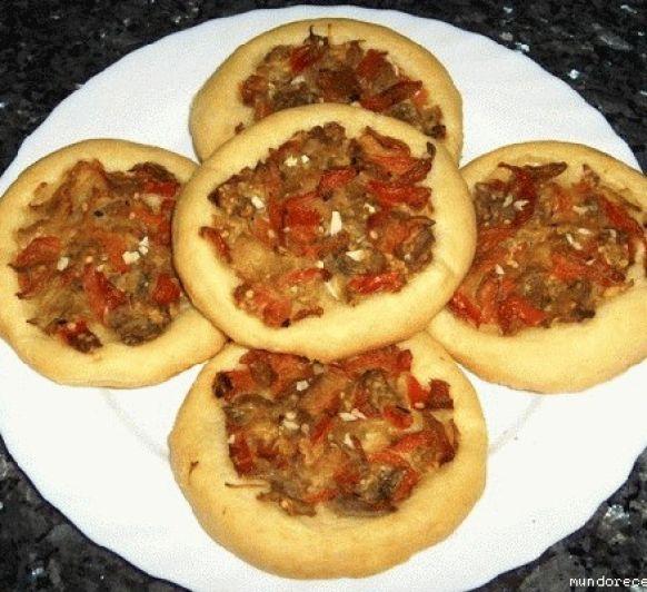 Cocas de Jávea de pimiento y tomate con Thermomix®