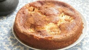 Tarta de compotade manzanas con manzanas