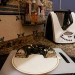 Pastel de merluza, champiñones y espinacas, receta apta para celiacos